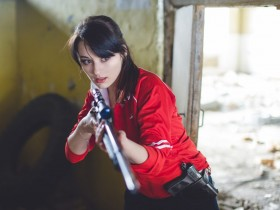 Zoey cos with sniper 2